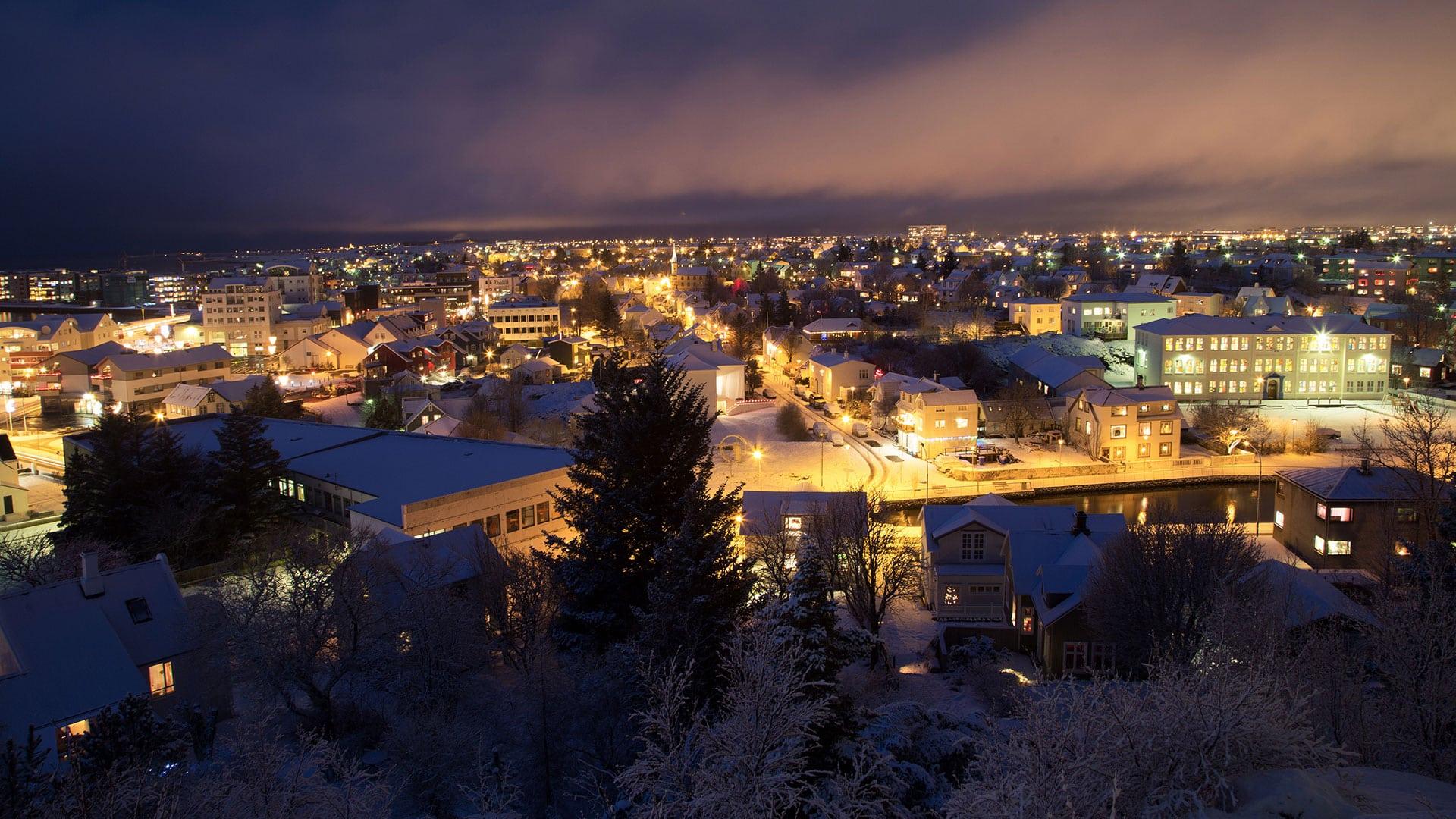 reykjavik-christmastime-winter-iceland