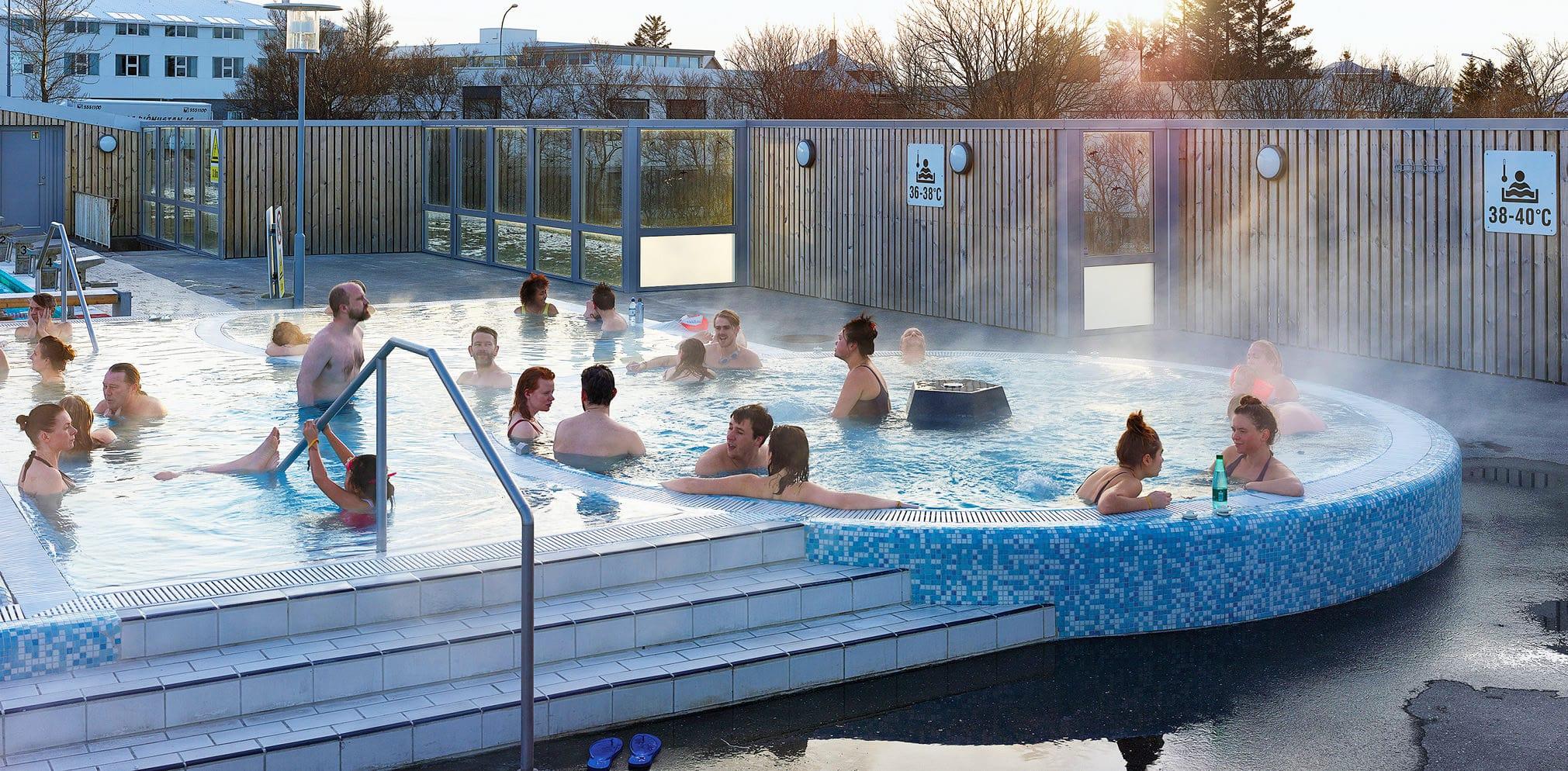 swimming-pool-iceland